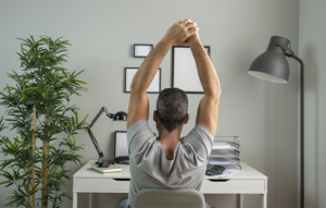 7 dicas para evitar dores no corpo durante o home office