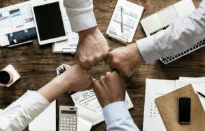 Promover cultura de reconhecimento usando Merit Money