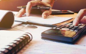 Recorde de endividamento é desafio para RH